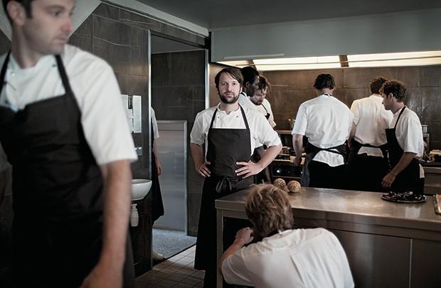 INOVAÇÃO O chef René Redzepi no restaurante Noma, na Dinamarca. Seu laboratório lidera as pesquisas com sangue (Foto: Joachim Ladefoged/VII/Corbis)