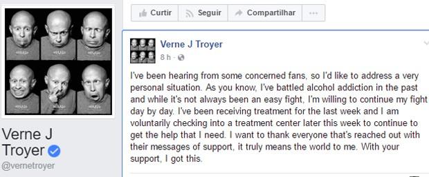 Verne Troyer faz anúncio de hospitalização no Facebook (Foto: Reprodução)