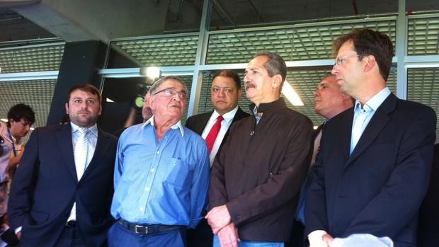 koff ministro aldo rebelo arena grêmio (Foto: Tomás Hammes/Globoesporte.com)