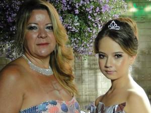 Mãe da jovem será doadora de rim para a filha (Foto: Raquel Freitas/G1)