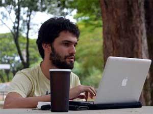 O estudante da Unicamp Matheus Giovanni na Praça Central (Foto: Luciano Calafiori/G1 Campinas)