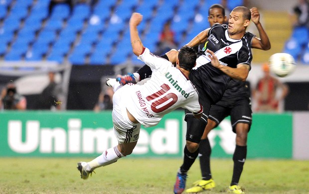 Thiago Neves, Vasco x Fluminense (Foto: Dhavid Normando / Photocamera)