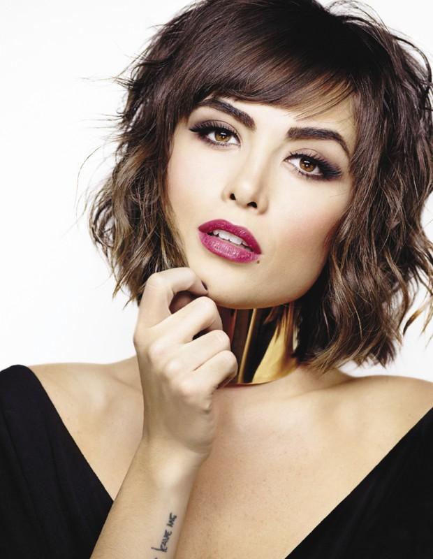 Maria Casadevall - atriz extremamente sexy em capa de revista (Foto: Reprodução Cabelos & Cia)