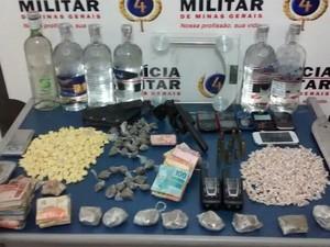 Apreensão PM Juiz de Fora (Foto: Polícia Militar/Divulgação)