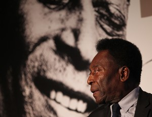 """BLOG: Santos paga R$ 3,45 milhões e assina """"divórcio"""" com Pelé"""