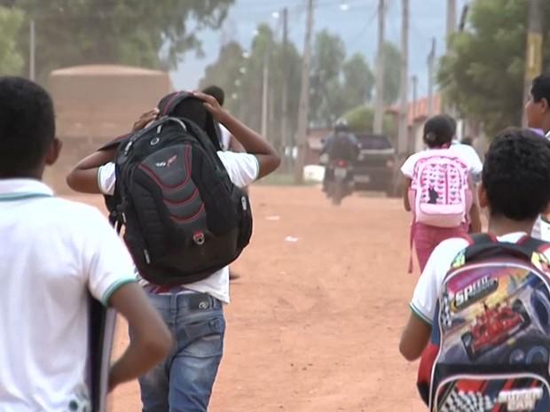 Falta da merenda escolar está prejudicando também os alunos da creche do povoado em Balsas (Foto: Reprodução/TV Mirante)