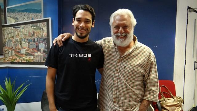Antonio Fagundes e seu filho, Bruno Fagundes, vão fazer apresentação no Teatro Coliseu (Foto: Reprodução/TV Tribuna)