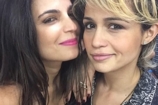 A foto de Emanuelle Araújo e Nanda Costa que deu o que falar e gerou boataria na internet (Foto: Reprodução Instagram)