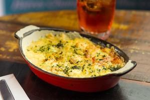 Arroz de forno com linguiça, presunto e e muito queijo