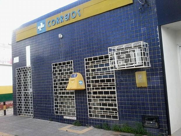 Agência dos Correios de Alto do Rodrigues foi assaltada (Foto: Francisco de Assis Martins)