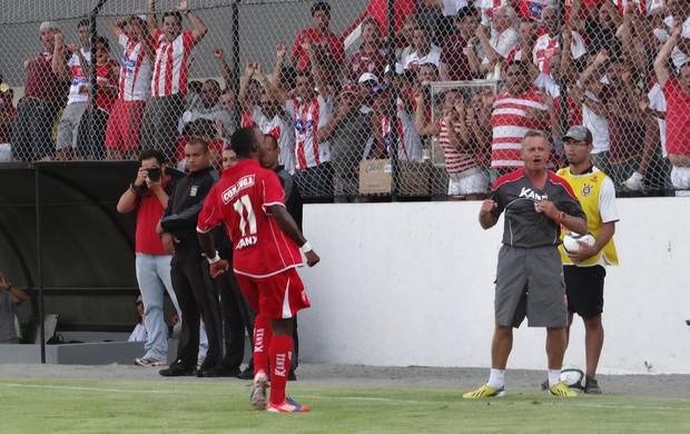 Marco Antonio - meia do CRB (Foto: Paulo Victor Malta/GLOBOESPORTE.COM)