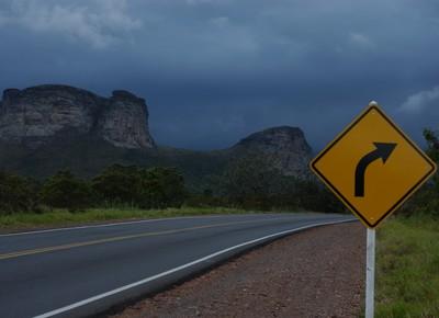estrada_transporte_caminhao (Foto:  )