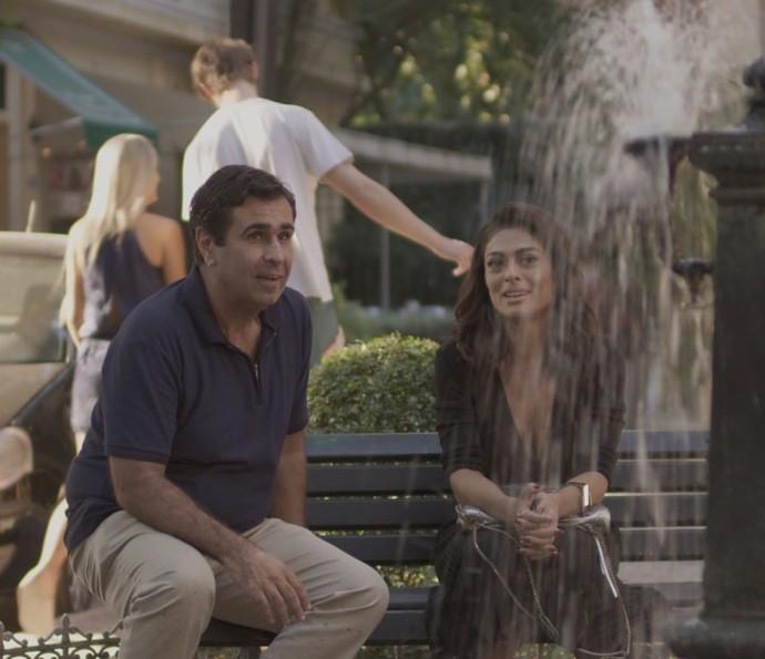 Hugo fica surpreso com a decisão de Carolina (Foto: TV Globo)