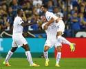 Mahrez faz dois, e Leicester vence 1º jogo de sua história na Champions