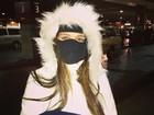 Ninja! Carolina Portaluppi posa só com os olhos de fora em rede social
