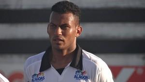 Diogo Silva, lateral do ASA (Foto: Leonardo Freire/GLOBOESPORTE.COM)