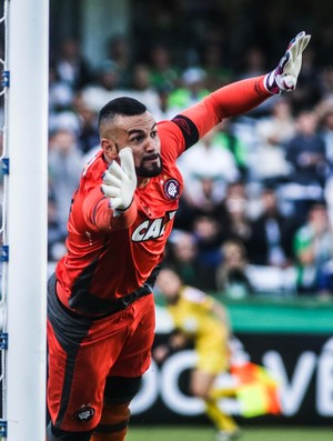Weverton, Coritiba x Atlético-PR (Foto: Futura Press)