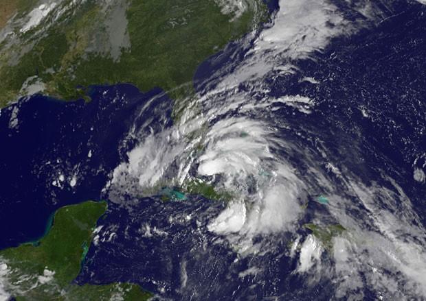 Tempestade tropical 'Isaac' se aproxima da Flórida. (Foto: AFP)