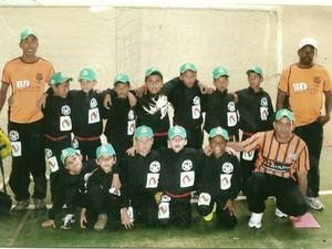 Primeiras equipes de futsal do projeto Bons Bola em Bom Despacho (Foto: Geraldo Magela/ Arquivo Pessoal)