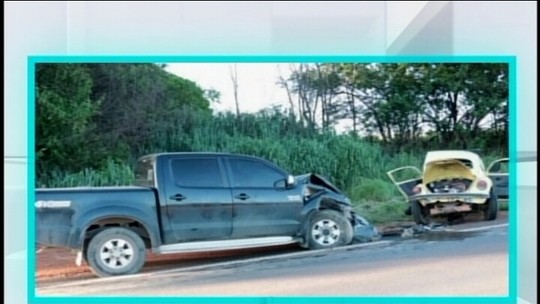 Motorista morre e três pessoas ficam feridas em acidente em Bambuí