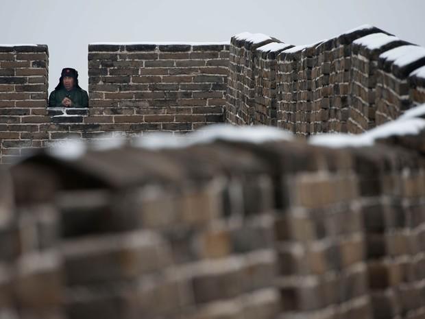 cerca de 30  da grande muralha da china da dinastia ming desapareceu