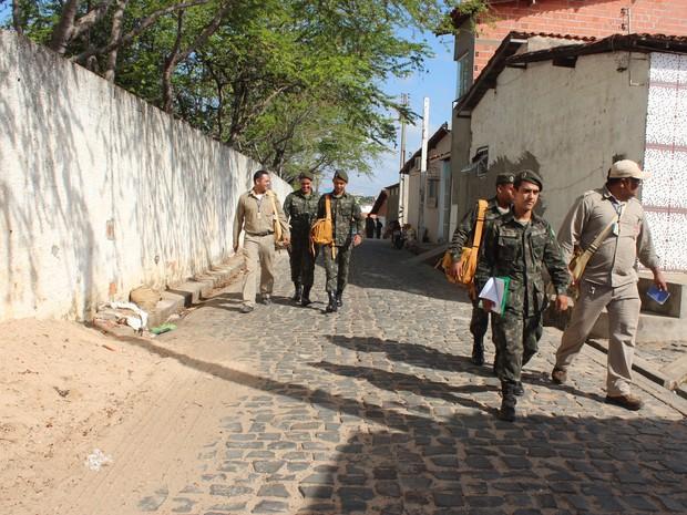 Soldados do Exército começam a atuar como agentes de endemias (Foto: Catarina Costa/G1 PI)