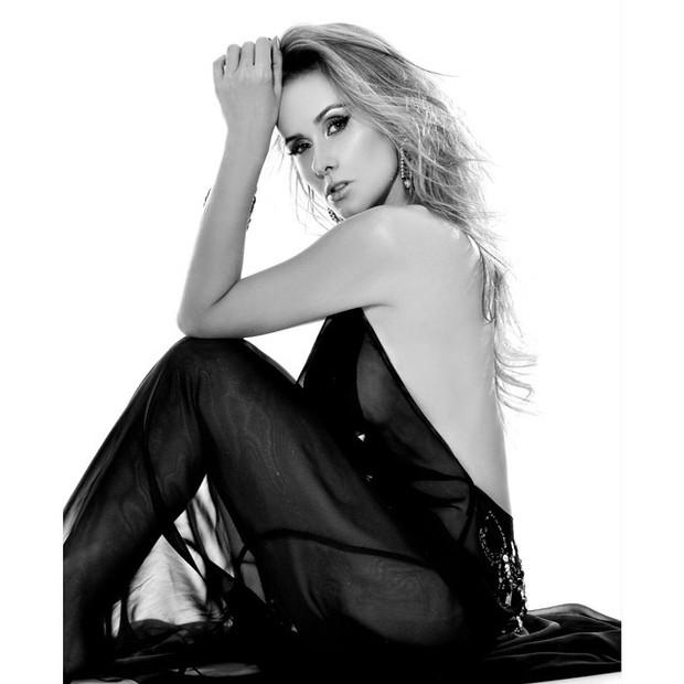 Baiar Revista Playboy Lola Melnick Dezembro Torrent Nua Pelada