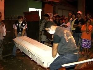Idoso é preso em Anápolis, Goiás, após matar o filho usuário de drogas, diz polícia (Foto: Reprodução/TV Anhanguera)