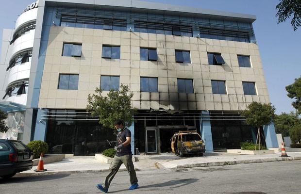 Local do ataque, na sede da Microsoft em Atenas (Foto: John Kolesidis/Reuters)