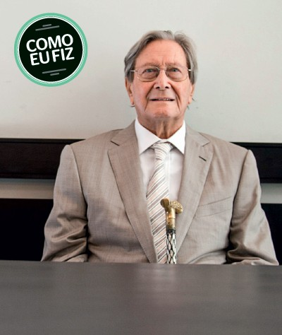 WOLFGANG SAUER Casado,  82 anos, foi presidente  da Volkswagen do Brasil entre 1972 e 1990. Fez a biografia O homem Volkswagen (Foto: Victor Moriyama/Folhapress)