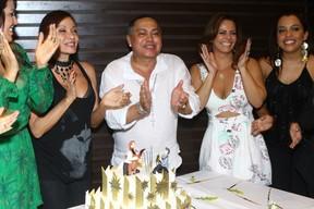 Tânia Alves, Glaycon Muniz e Viviane Araújo na festa do promoter no Rio (Foto: Raphael Mesquita/ Foto Rio News)