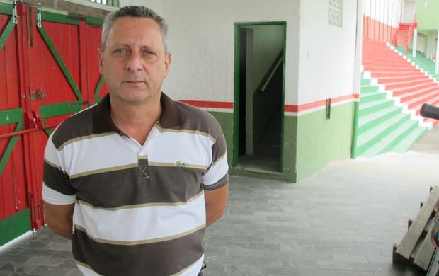 Edu Marangon, gerente de futebol da Portuguesa Santista (Foto: Bruno Gutierrez / Globoesporte.com)