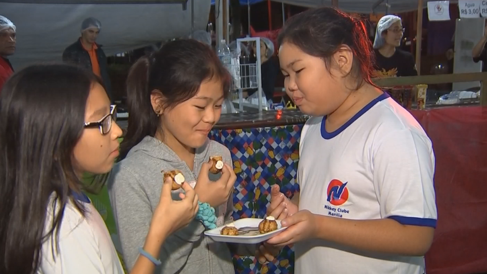 Comida típica chama atenção no Japan Fest em Marília (Foto: Reprodução/TV TEM)