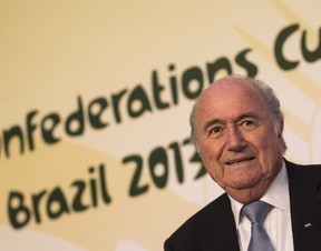 Blatter durante coletiva de balanço da Copa das Confederações (Foto: AP Photo/Felipe Dana)