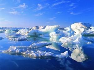 Icebergs em região do Oceano Ártico (Foto: Divulgação/Universidade de Washington)