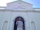 Vendedor de churrasco doa ingresso de show dos Stones a asilo da capital