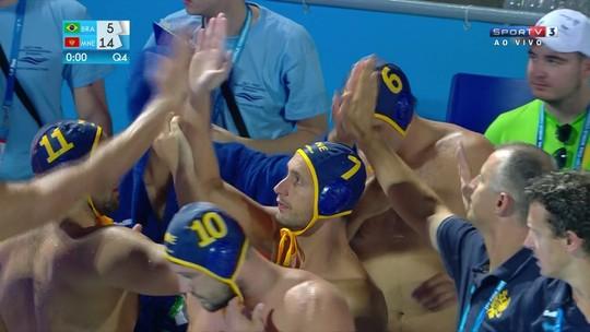 Brasil perde para Montenegro, mas segue em segundo do grupo no Mundial