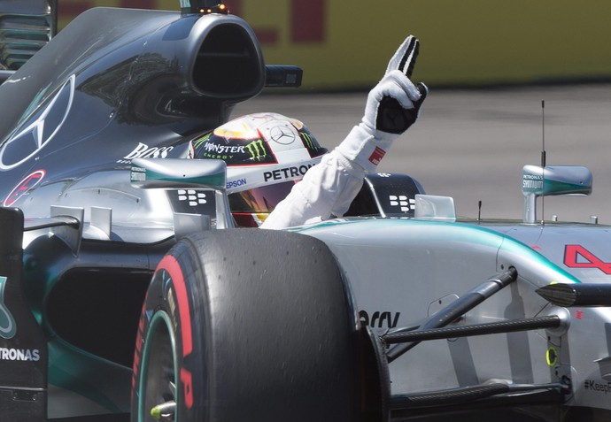 Lewis Hamilton fez a pole position do GP do Canadá (Foto: AP)