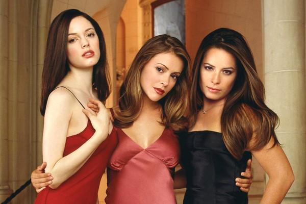 Parte das protagonistas da primeira versão de Charmed (Foto: Reprodução)