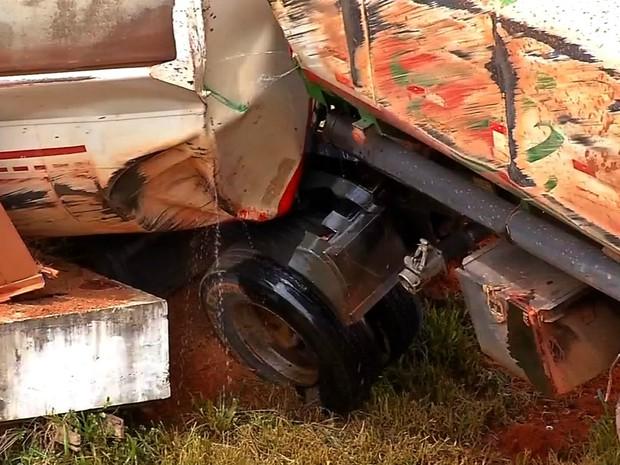 Acidente ocorreu na BR-163 nesta quarta-feira (Foto: Reprodução/ TVCA)