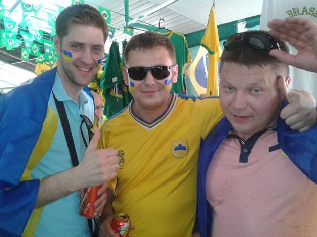 Oleskii Postrihan, Maxim Bezugly e Ievgen Staroselsiky vieram ao Brasil para ver só um jogo (Foto: Paulo Guilherme/G1)