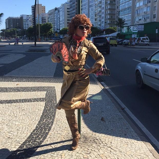 Suzana Pires interpretará Tia Suelly, uma consultora de moda divertida e um pouco peculiar. (Foto: Reprodução/Gshow)
