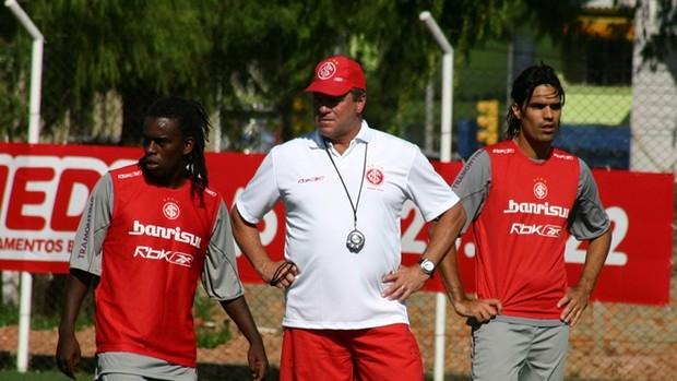 Tinga, Fernandão e Abel, em 2006 (Foto: Inter, DVG)