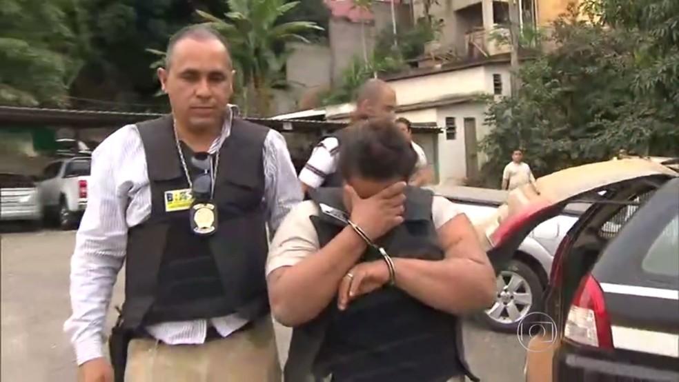 Mulher foi condenada a mais de 34 anos de prisão pela Justiça em Ponte Nova (Foto: Reprodução/TV Globo)