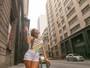 Thalita Zampirolli tenta ver chuva de papel picado no Rio... mas não acha