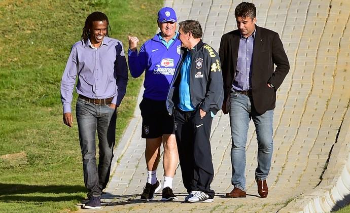 Roque Junior e Gallo no treino da Seleção (Foto: Gaspar Nóbrega / VIPCOMM)