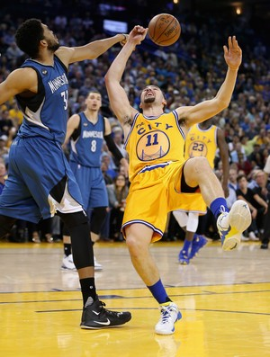 Klay Thompson e Karl-Anthony Towns Warriors x Wolves NBA (Foto: Getty)