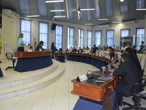 Apenas 10 vereadores participaram da sessão na Câmara Municipal de Boa Vista (Foto: Emily Costa/G1)