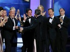 'Breaking bad' e 'Modern family' conquistam o Emmy 2013