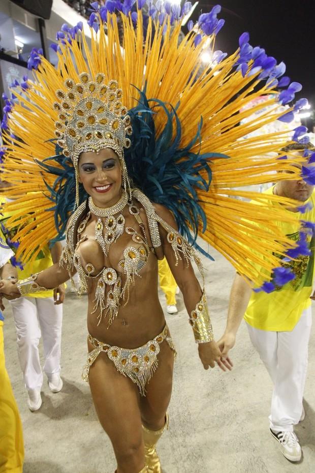Mayra Cardi em SP (Foto: Marcos Ferreira/Fotorio News)
